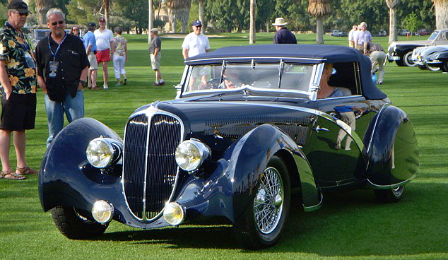 Delahaye 135 Competition Convertible 1936 Figoni et Falaschi on the way to the winner's stand